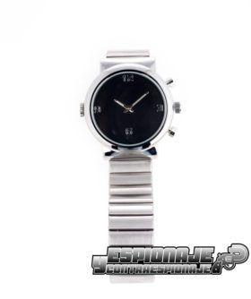 reloj plateado con cámara